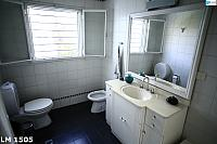 SECONDBATHROOM2